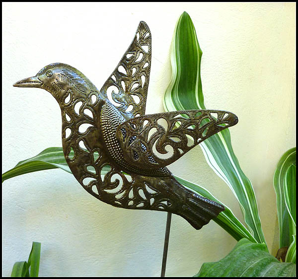 Bathroom butterfly decor - Hand Crafted Metal Bird Design Garden Plant Stick Outdoor Metal Art