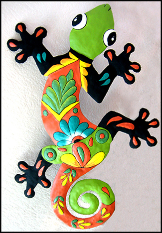 "12"" x 18"" - Green Hand Painted Metal Gecko Wall Hanging"
